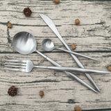 Nouveau produit enduit d'argent cuillère en plastique jetables de la fourche de la Coutellerie de couteau fixe