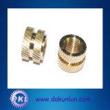 최신 품목, 전자 이음쇠를 위한 SS304/Brass/SUS 삽입 견과