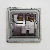 UK стандарт одно 3pin переключенное шатией Mfsocket с неоном