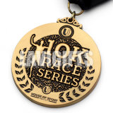 Médaille courante de chemin de sport de seul de modèle de couleurs en métal du modèle 3D de placage marathon en alliage de zinc pointu fait sur commande de récompense