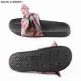 Sandali dell'interno del pistone di EVA delle donne superiori variopinte di disegno