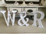 Cartas de madera blancas derechas libres de la decoración casera