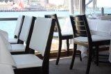 Madera maciza de color oscuro silla pintura tapicería de cuero blanco de cinco estrellas para el gran banquete de bodas