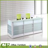 Самомоднейшая таблица стола приема офиса с стеклянным счетчиком