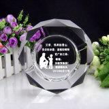 Praça de cinzeiro de cristal Dom criativo octogonal Sala Quarto Personalidade KTV personalizado para enviar Pai marido