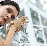 カラーCZの石およびシェルの真珠の宝石類が付いているWoman925純銀製の婚約指輪のための方法宝石類のファン形デザイン