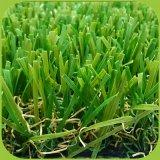 정원 훈장을 정원사 노릇을 하기를 위한 W 모양 인공적인 잔디밭