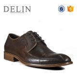 高品質の人の靴の人の革靴