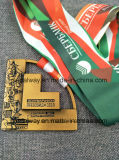 高品質は鋳造物によって切り取られるエナメルを塗られたメダルを停止する