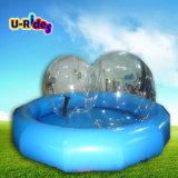 円形のプール