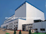 Estructura de acero con pintura o la superficie galvanizada almacén o taller[