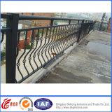 装飾的な機密保護の固体屋内粉の上塗を施してある錬鉄のバルコニーの柵