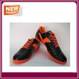 Футбол спорта обувает ботинок футбола для людей