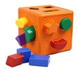 Brinquedos geométricos dos blocos de apartamentos das crianças