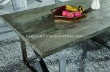 模倣された木製か純木の上のステンレス鋼のダイニングテーブル
