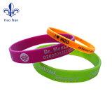 Braccialetti su ordinazione del silicone del regalo di promozione dei braccialetti poco costosi di alta qualità