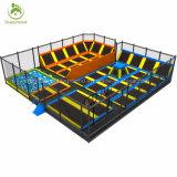 Parque feito sob encomenda gigante do Trampoline da chegada nova relativa à promoção do salto