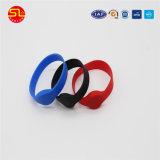 Échantillon gratuit montre-bracelet en silicone avec RFID imprimer en couleur ou un logo