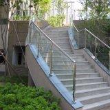 Fabricante de acero inoxidable de diseño moderno modelo de barandilla de vidrio escalera interior de la baranda de vidrio templado