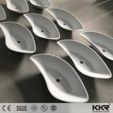 現代白いキャビネットの石の樹脂手の洗面器