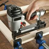 Fermi ondulati allentati come falegname per carpenteria