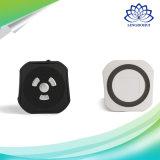 黒く及び白いミニマリズムのオフィスの無線小型スピーカー