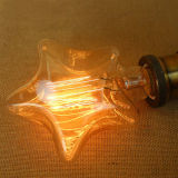 E27 4Wの白熱球根は白い星の形装飾的なLEDエジソン様式の電球を暖める