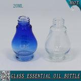 Botella de aceite esencial de cristal azul 20ml con el casquillo de aluminio color de la flor