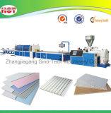 Plastik-Belüftung-Decken-Vorstand-Strangpresßling, der Maschine herstellt