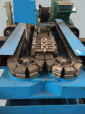 Tubulação ondulada da drenagem do grande diâmetro que faz a máquina