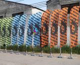 Bandierina della piuma della visualizzazione di promozione della stampa di colore completo con la base trasversale