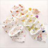 최신 판매 모슬린 아기 치마 삼각형 신생 아기 Pinny