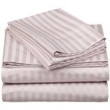 普及した100%年の綿の3cm縞で飾られたホテルのQauiltカバーベッド・カバー