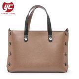 ヨーロッパ人のためのYc-H246 Black Rivets Women Style Wholesale Tote Bag
