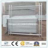 安い一時塀、金属の塀、溶接された金網の塀