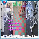 Mattonelle di gomma del campo da giuoco, pavimento di ginnastica, stuoia esterna della pavimentazione