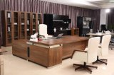現代木のオフィス用家具の事務長表