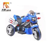 A motocicleta elétrica do bebê da bateria de China caçoa o passeio elétrico no carro