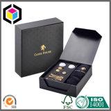 Caixa de embalagem próxima do presente do cartão do logotipo da folha de ouro do ímã