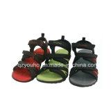 Tres zapatos de la sandalia de los colores para los hombres