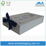 Luxuxgeschenk-verpackenkasten bestellte Dongguan-Papierkasten mit Farbband-Griff voraus