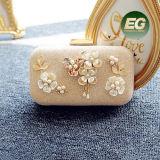 結婚式はボックス箱のイブニング・バッグの方法ハンドバッグによって玉を付けられる真珠の花のクラッチ・バッグEb881をつかむ