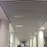 Atractivo decorativo lineal en forma de U formado en rollo deflector de techo con Material Metal