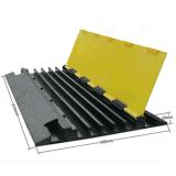 Протектор кабеля напольного случая желтой куртки 5 каналов резиновый