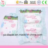 Matériau non tissé et couches-culottes estampées Indonésie de tissu d'OEM de bébé de caractéristique