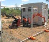 Site de construction de clôtures temporaires avec le renfort
