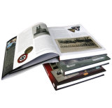 A impressão feita sob encomenda profissional do livro de Hardcover, encaixota livro encadernado