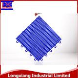 Suelo plástico de encargo del deporte de la estera del deporte del azulejo de suelo de 7 colores que se enclavija