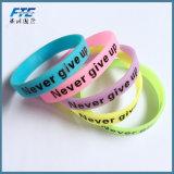 Bracelets dernier cri de silicium de bracelet pour les gosses en caoutchouc de bracelets