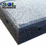 Pavimentazione di gomma esterna materiale riciclata